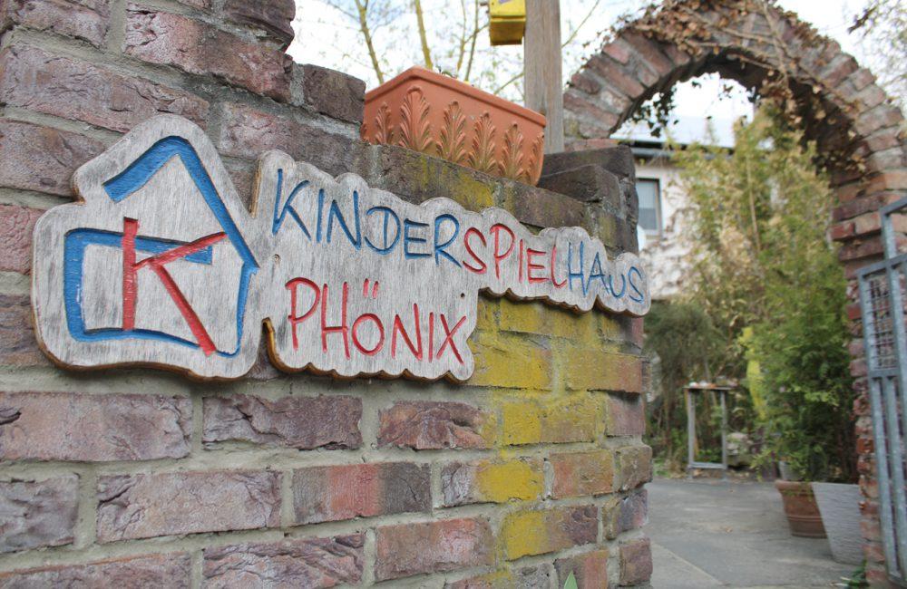 kinderspielhaus_eingang